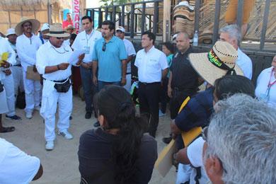 Dotarán de uniformes e identificación a vendedores ambulantes
