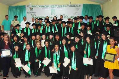 Se graduaron Alumnos del COBACH 06