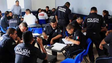 Evalúa Seguridad Pública a 233 agentes cabeños