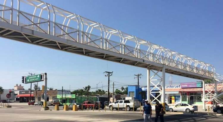 ¿Qué tan necesarios son los puentes peatonales?