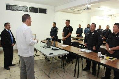 Imparten curso taller a elementos de la Policía Municipal