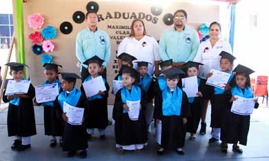 Egresan 13 niños del CADI Buenos Aires