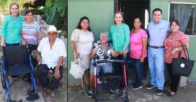 Entrega Vianey Núñez apoyos en Santa Anita
