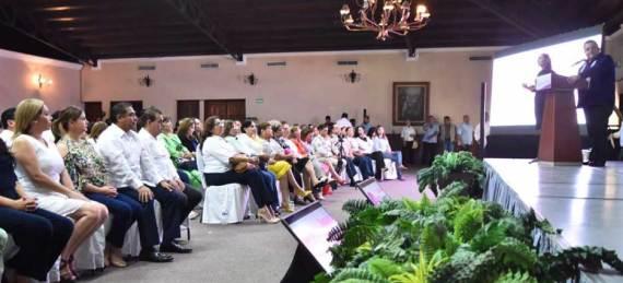 evento de firma de Convenio de Colaboración entre el Gobierno del Estado y el Instituto Nacional de las mujeres