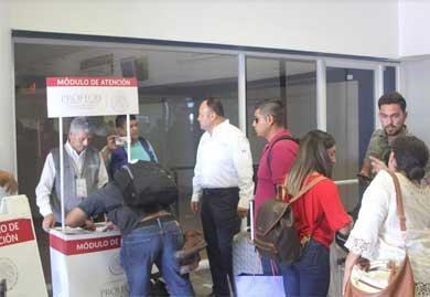 Más de 12 horas tuvieron que esperar para abordar pasajeros de Calafia Airlines