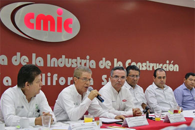 Firman convenio CMIC e IMSS