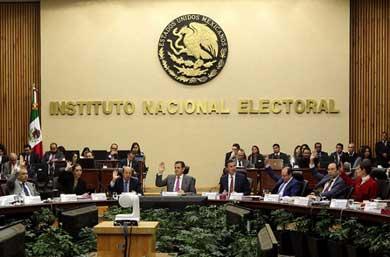 Aprueba INE 3 debates entre presidenciables
