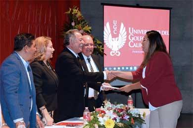 Clausura de maestrías de la UGC