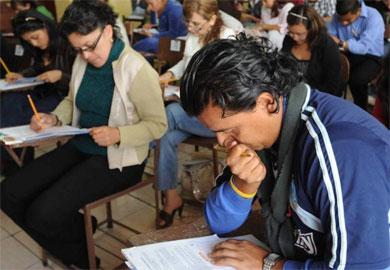 Prorrogan plazo para la evaluación a maestros