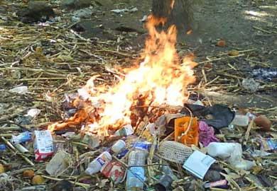 Estrictamente prohibida la quema de basura