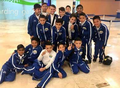 Pequeños futbolistas viajan al Nacional