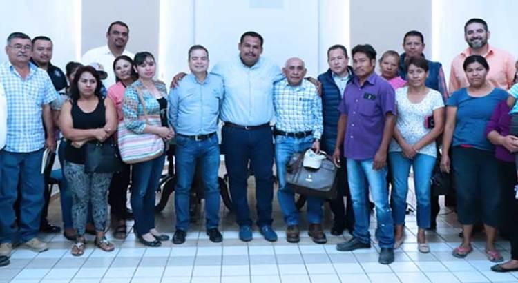 Se reúne Delegado de CSL con colonos de Gardenias