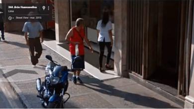 Cachó a su coscolino  esposo en Google Earth