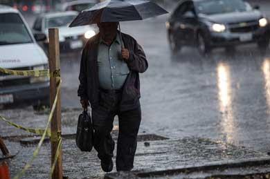 Prevén lluvias y fuertes vientos en el país
