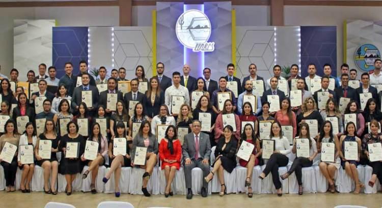 Entrega UABCS títulos profesionales y grados académicos