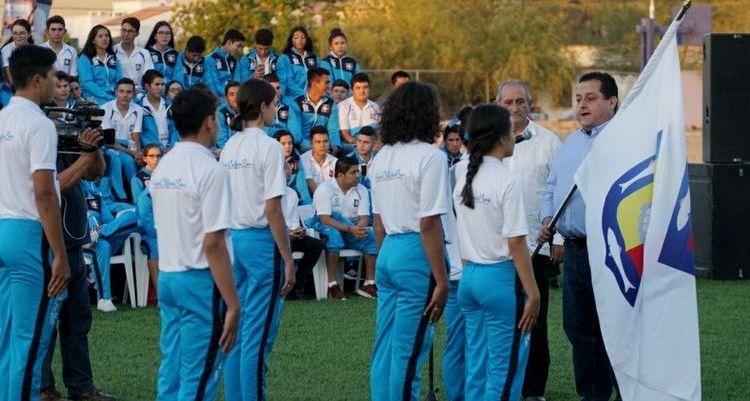 Abandera gobernador a delegación de BCS que participara en Olimpiada Nacional 2018