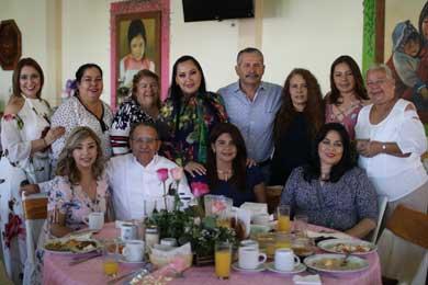 Celebra UABCS a sus madres trabajadoras por el 10 de mayo