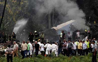 Más de 100 muertos por avionazo en Cuba