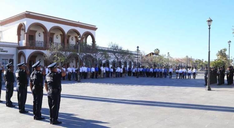 Lunes cívico en la Plaza Antonio Mijares