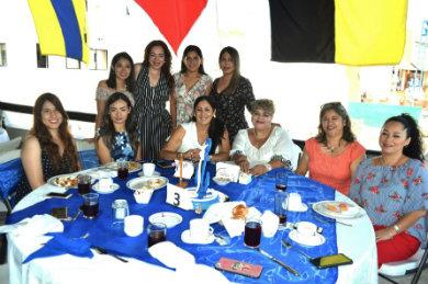 Celebran desayuno damas promotoras