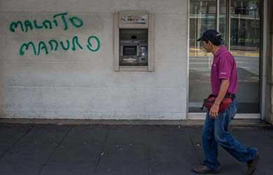 Despiertan venezolanos con menos ceros en sus cuentas bancarias
