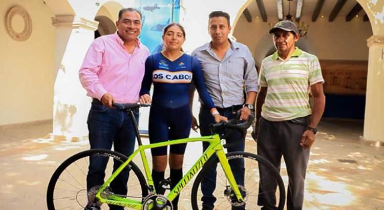 Apoya Gobierno cabeño a joven ciclista