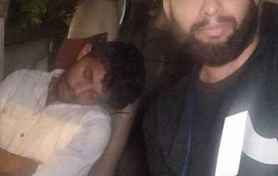 Ebrio chofer Uber se quedó dormido