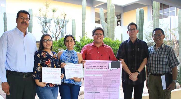 Ganan  alumnos de la UABCS concurso estatal de debate universitario