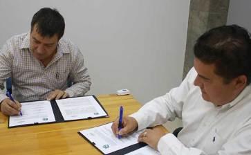 Se vincula UABCS con empresa local de productos agrícolas