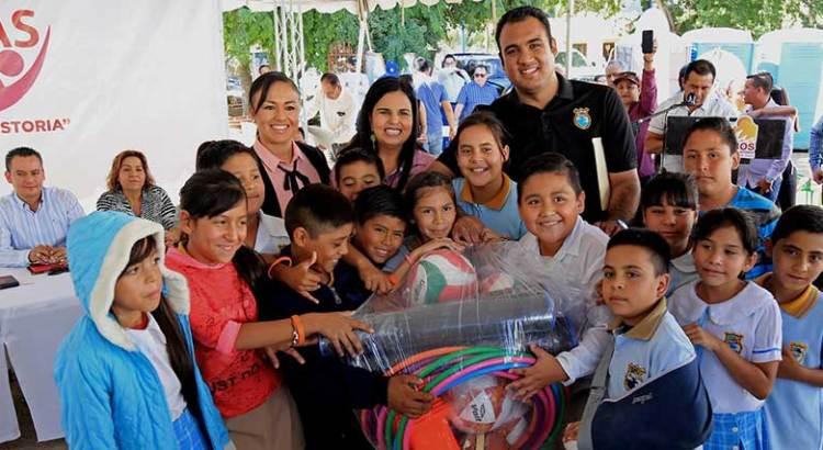 Apoyan a niños deportistas de Santa Catarina