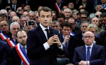 Lanza Macron diálogo nacional