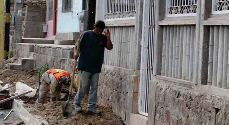 Continúan obras de mejoramiento urbano en Mulegé
