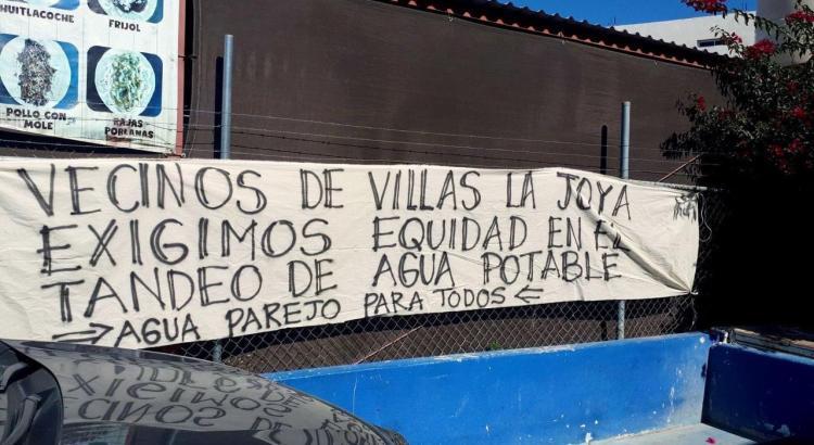 Vecinos de Villa La Joya se manifiestan contra OOMSAPAS