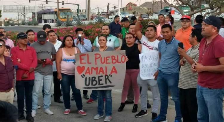 Se manifestarán choferes UBER en Palacio Municipal