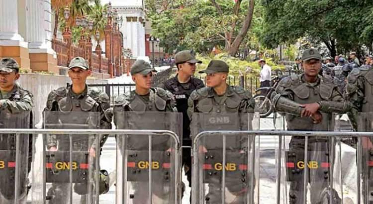 Procesa Maduro a 7 diputados