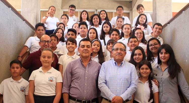 Realizan alumnos de secundaria visita guiada a la UABCS