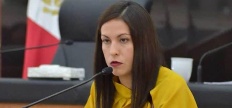 Cobró diputada Milena más de un millón de pesos en bonos y vales de gasolina