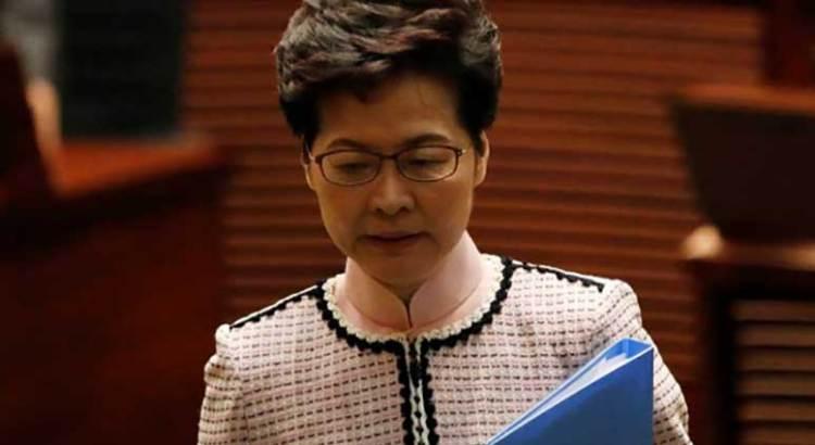 Impiden a jefa de gobierno de Hong Kong dar discurso