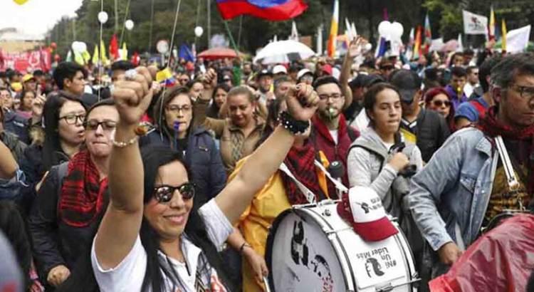 Paralizan protestas a Colombia