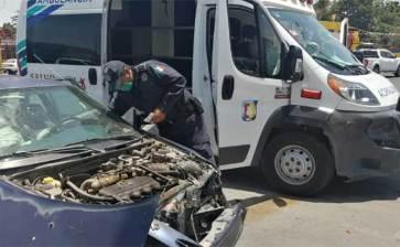 Chocó ambulancia con vehículo particular