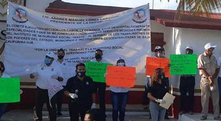 Se manifestaron en el ISSSTE Rosarito