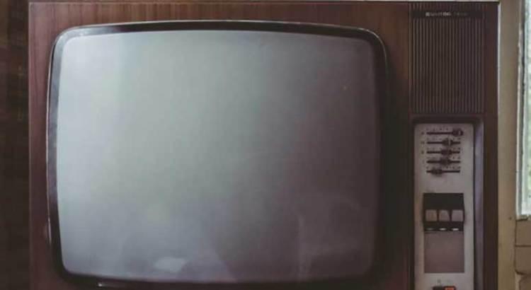 Deja televisión antigua sin Internet a todo un pueblo