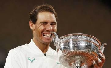 Agiganta Nadal su leyenda en Roland Garros