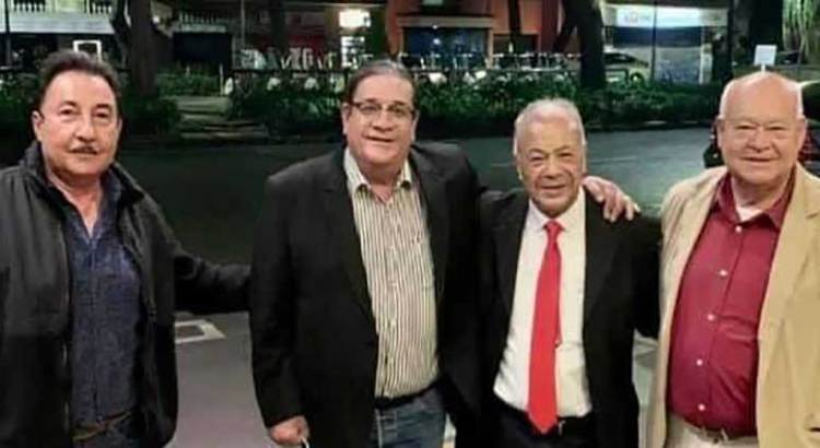 En noviembre se medirán Porras y Víctor Castro