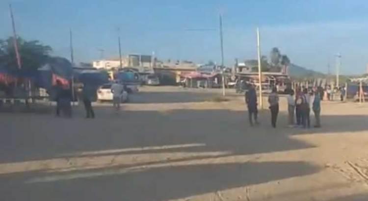 Denuncian tianguistas de Las Palmas acoso e intimidación