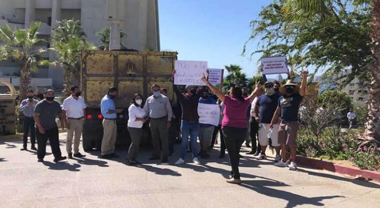 Se manifestaron croquistas frente al Hotel Thompson