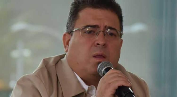 Denuncia Lage Suárez a radiodifusora ante el IEE