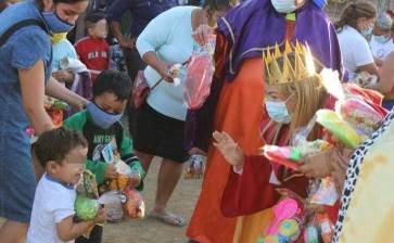 Lleva GCA dulces y juguetes a niños de colonias sanluqueñas