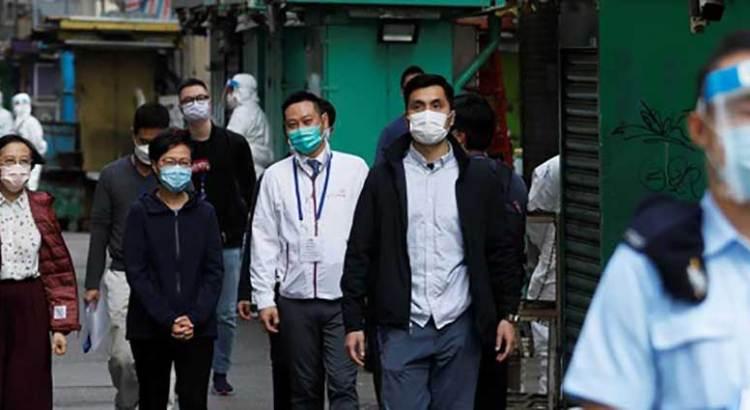 Impone Hong Kong primer confinamiento por covid-19