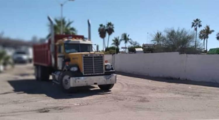 Levantan transportistas bloqueo en Servicios Públicos